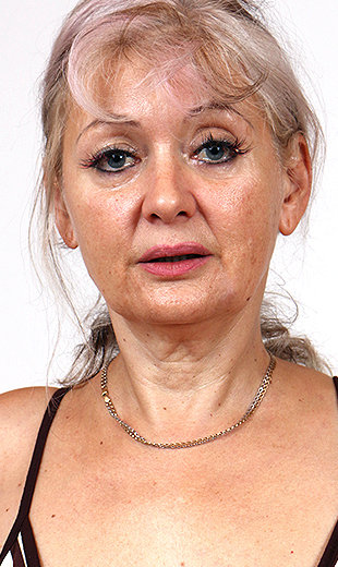 mature-housewives-alena