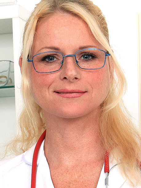 Hot female doctor Debora V