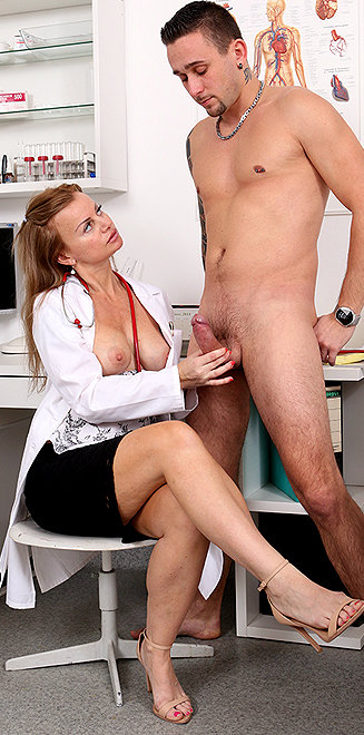 Milf doctor Denisa M