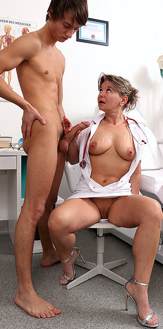 Milf doctor Frida C