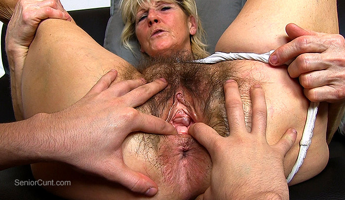 grannys-spread-pussy-hot-sexy-boobs-ass