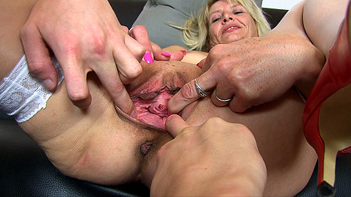 Fingering old lady