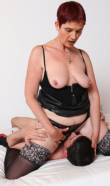 Hot mom Libuse facesitting a boy