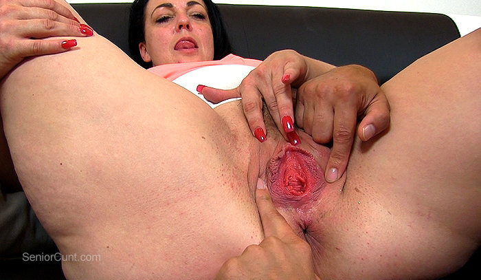 SeniorCunt.com - Milf pussy spreading and fingering with milf Marcia