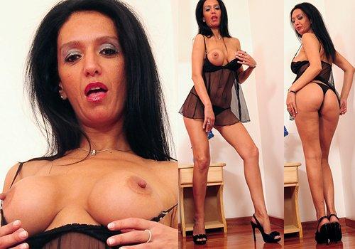 Romina at TurboMoms.com
