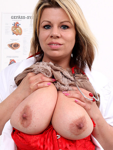 Hot female doctor Silvy Vee