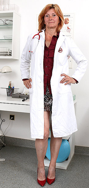 Sexy nurse Stefania