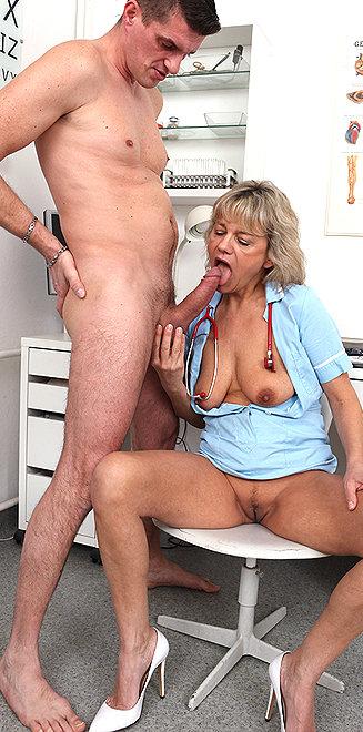 Порно Медсестра Виола