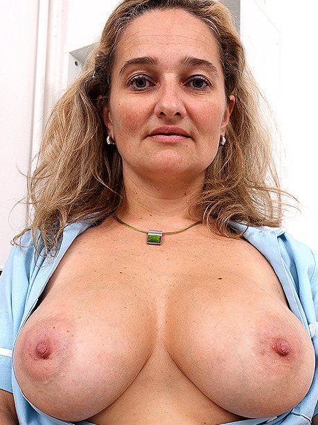 Hot female doctor Ameli Monk
