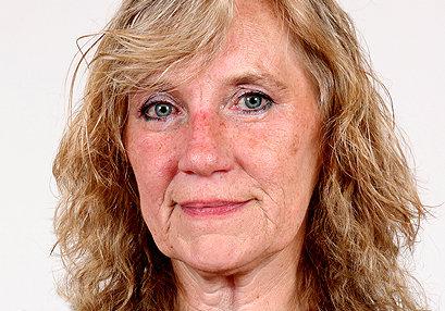 Facesitting Milf Astrid F at FaceSittingMoms.com