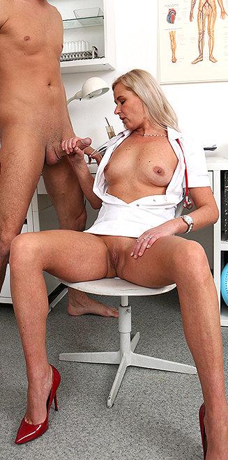Milf doctor Bruna M