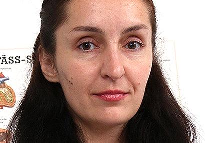 Sexy milf doctor Di Devi at SpermHospital.com
