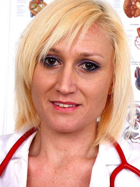 Hot female doctor Dita V