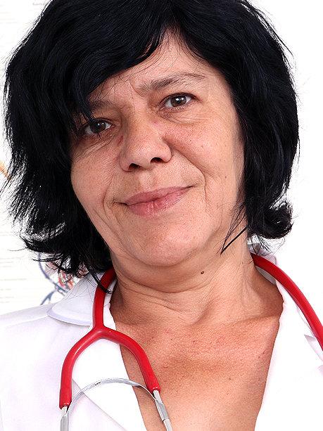 Hot female doctor Flavia C