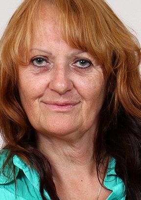 Glenda M - old pussy close-ups HD