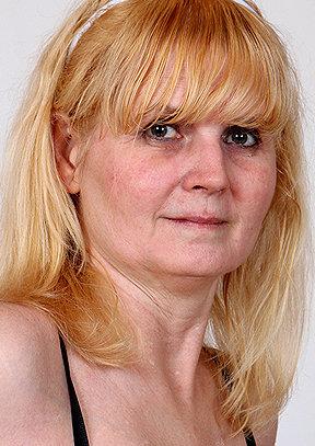 Saskia B - old pussy close-ups HD