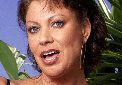 Vanessa Videl at TurboMoms.com